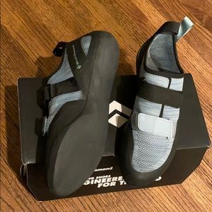Black Diamond Momentum- Men's 9.5 climbing shoes